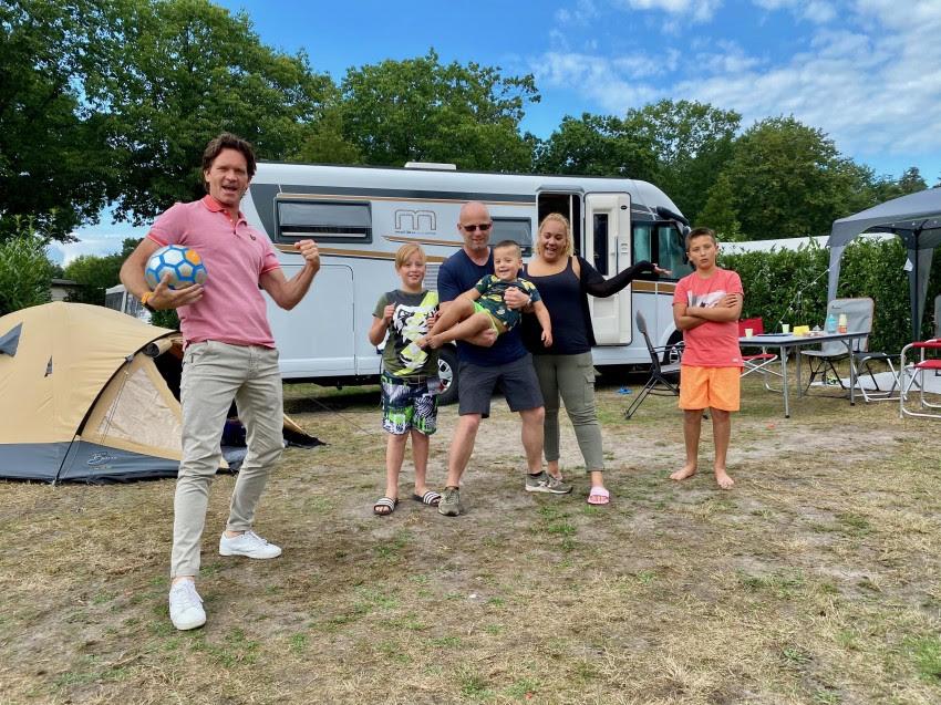 RTL4 Camp to Go laat nieuwkomers kennismaken metkamperen
